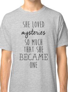 Paper Towns t-shirt – She Loved Mysteries, Margo, John Green Classic T-Shirt