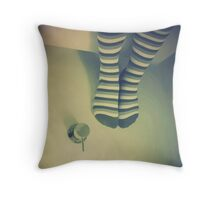 Upside  >> Throw Pillow