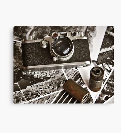 Old camera Canvas Print