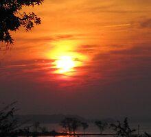 Sunrise on the Potomac by vaslumbers