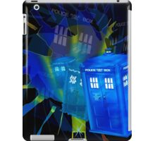 TARDIS STONEHENGE PORTAL iPad Case/Skin