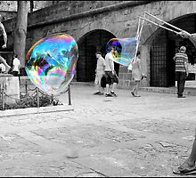 Bubbles by Paul  McIntyre