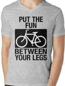 BIKE FUN Mens V-Neck T-Shirt