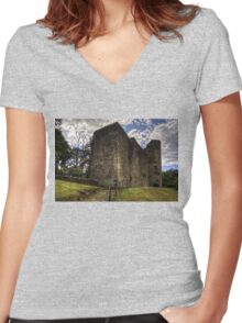 Strathaven Castle Women's Fitted V-Neck T-Shirt