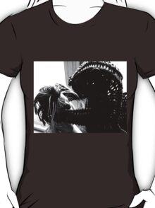 Wicker Squirrel in Love T-Shirt
