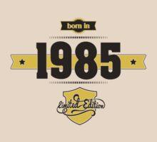 Born in 1985 (Choco&Yellow) by ipiapacs