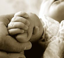 Secure in Daddies grasp by Kralington
