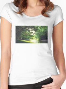 Bankside and Quiet Women's Fitted Scoop T-Shirt