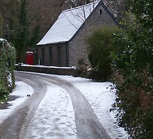 Red Phonebox In The Snow by Anne Sanders