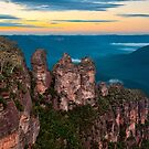 Morning with the Three Sisters in the Blue Mountians by Chris  Randall