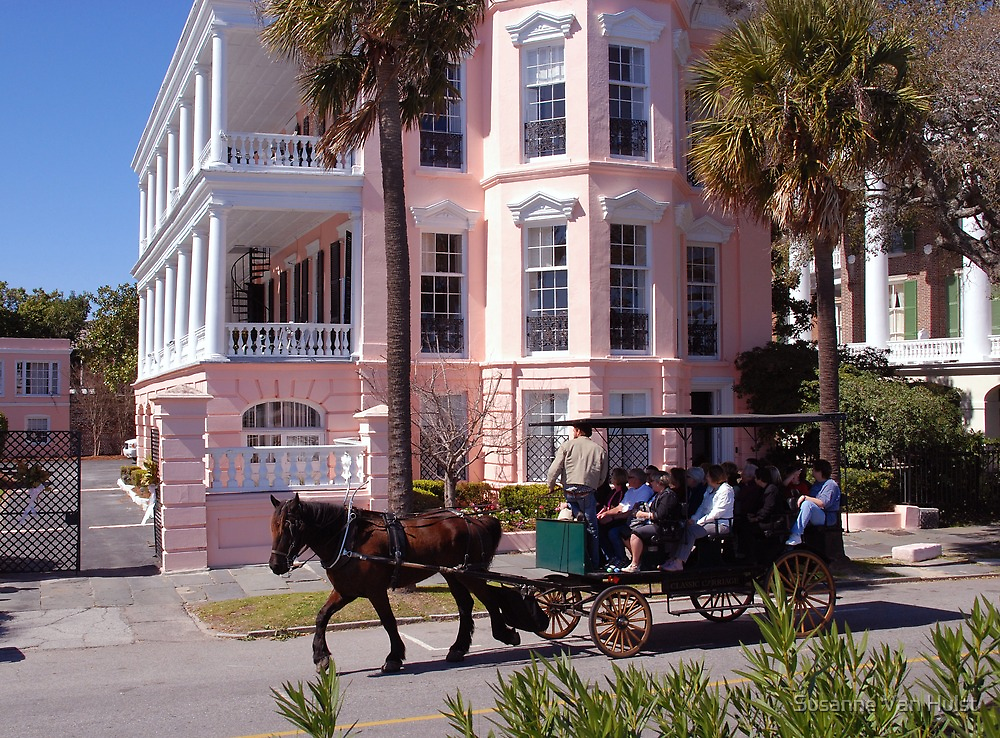 Horse Carriage at the Battery in Charleston by Susanne Van Hulst