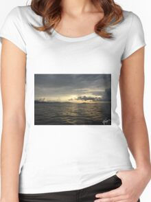 Atardecer, Isla Tortuga, Costa Rica Women's Fitted Scoop T-Shirt