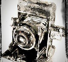 Vintage camera by Jean-François Dupuis