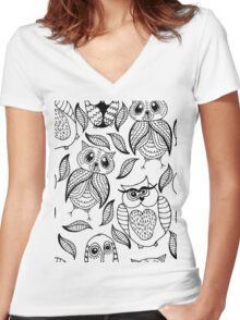 Four different black owls Women's Fitted V-Neck T-Shirt