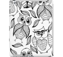 Four different black owls iPad Case/Skin