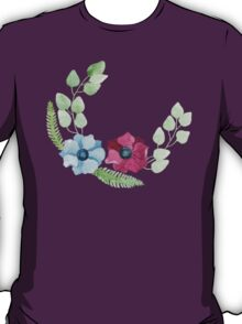 Burgundy and blue anemone flowers pattern T-Shirt