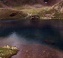 Dull lake near Baborte Peak by glorund