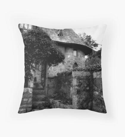 An American Castle Garden Throw Pillow