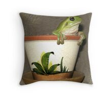 potted tree frog Throw Pillow