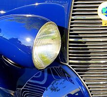 Right Headlight by David Schroeder