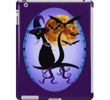 Bewitching Black Kitty Oval iPad Case/Skin