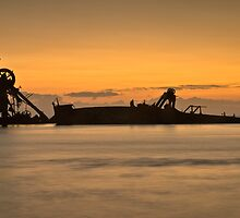 Wrecks at Tangalooma by gamaree L