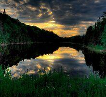 Ontario Lake Sunset by Joe Jennelle
