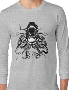 Octopus in a diving helmet Long Sleeve T-Shirt