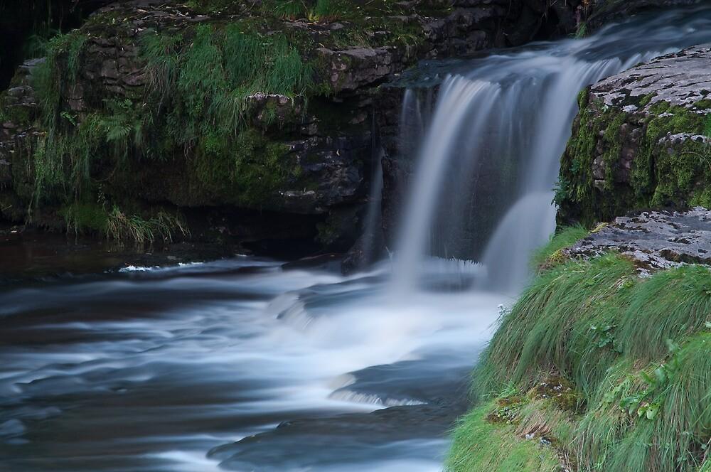 Aysgarth Falls by Jo  Kyles