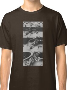 Dried blossom (black & white) Classic T-Shirt