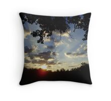 rays over the mountain Throw Pillow