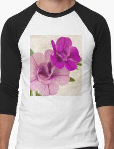 Calibrachoa Petunia Blossoms - Macro Men's Baseball ¾ T-Shirt