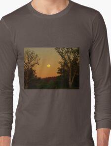 Kimberley Moon , Victoria River Northern Territory . Australia Long Sleeve T-Shirt