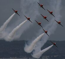 Red Arrows Formation by bobdaw