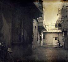 Lonely girl in backstreet by Morten Kristoffersen