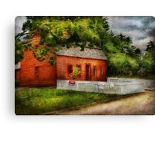 Country - Farm - A small farm house  Canvas Print
