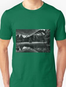 Obertraun walks 14 b&w T-Shirt