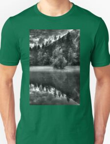 Obertraun walks 15 b&w T-Shirt
