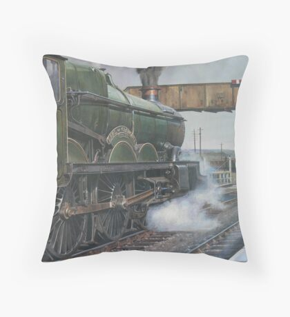 Castle class 4.6.0 Throw Pillow