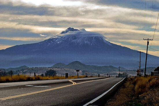 Mount Shasta by ToddDuvall