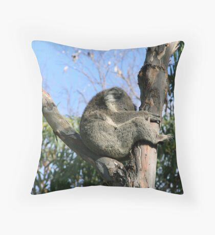 I'm Sleepy... Throw Pillow