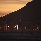 Cape Town preparing for night time by DeoVolente (Dewahl Visser)