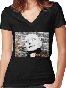 Hugo Sees You Women's Fitted V-Neck T-Shirt