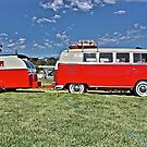 Volkswagen Microbus with matching Caravan by Ferenghi