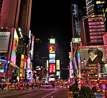 Times square by Night by Julien Delebecque