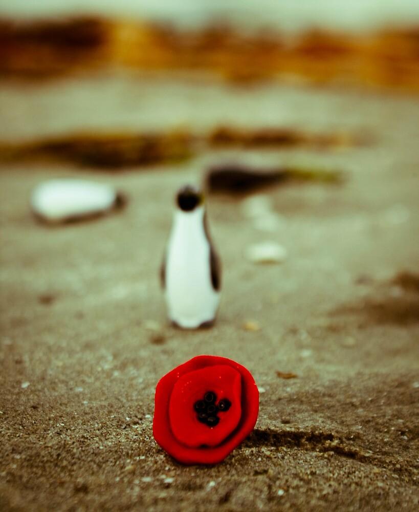 Penguin & poppy by iulix