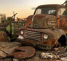 Rusty ol' farm truck  by JULIENICOLEWEBB