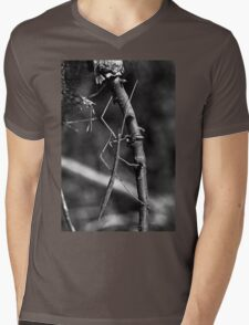 Stick insect Phasme story 15 VERSION 2  noir & blanc (N&B)(h) by Olao-Olavia / Okaio Créations fz 1000 Mens V-Neck T-Shirt