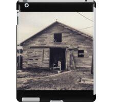 Rustic old barn  iPad Case/Skin