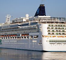 Large cruise liner by Dfilyagin
